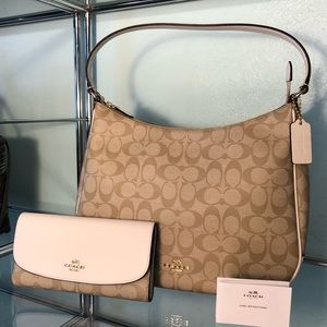 Coach signature hobo & wallet set